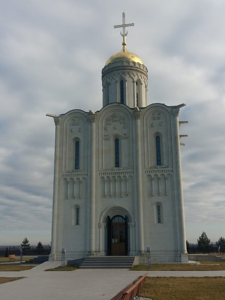 Свято-Владимирский храм в хуторе Аргатов близ Усть-Лабинска
