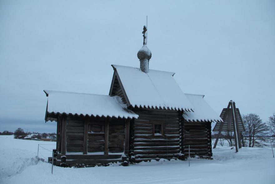 Небольшая церковь 2