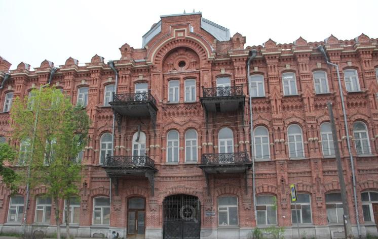 Старинное здание на Адмиралтейской улице