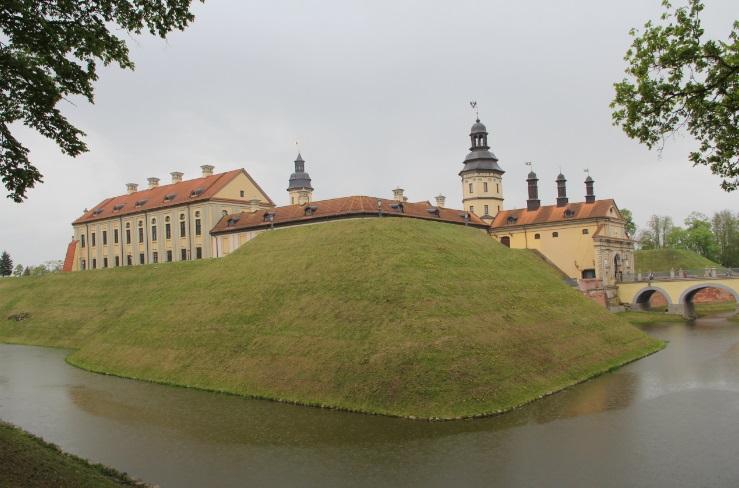 Построен в 16 веке. Настоящий замок