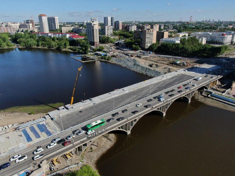 Макаровский мост в Екатеринбурге