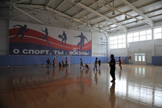 Детство: спортзал завода РТИ г.Оренбург