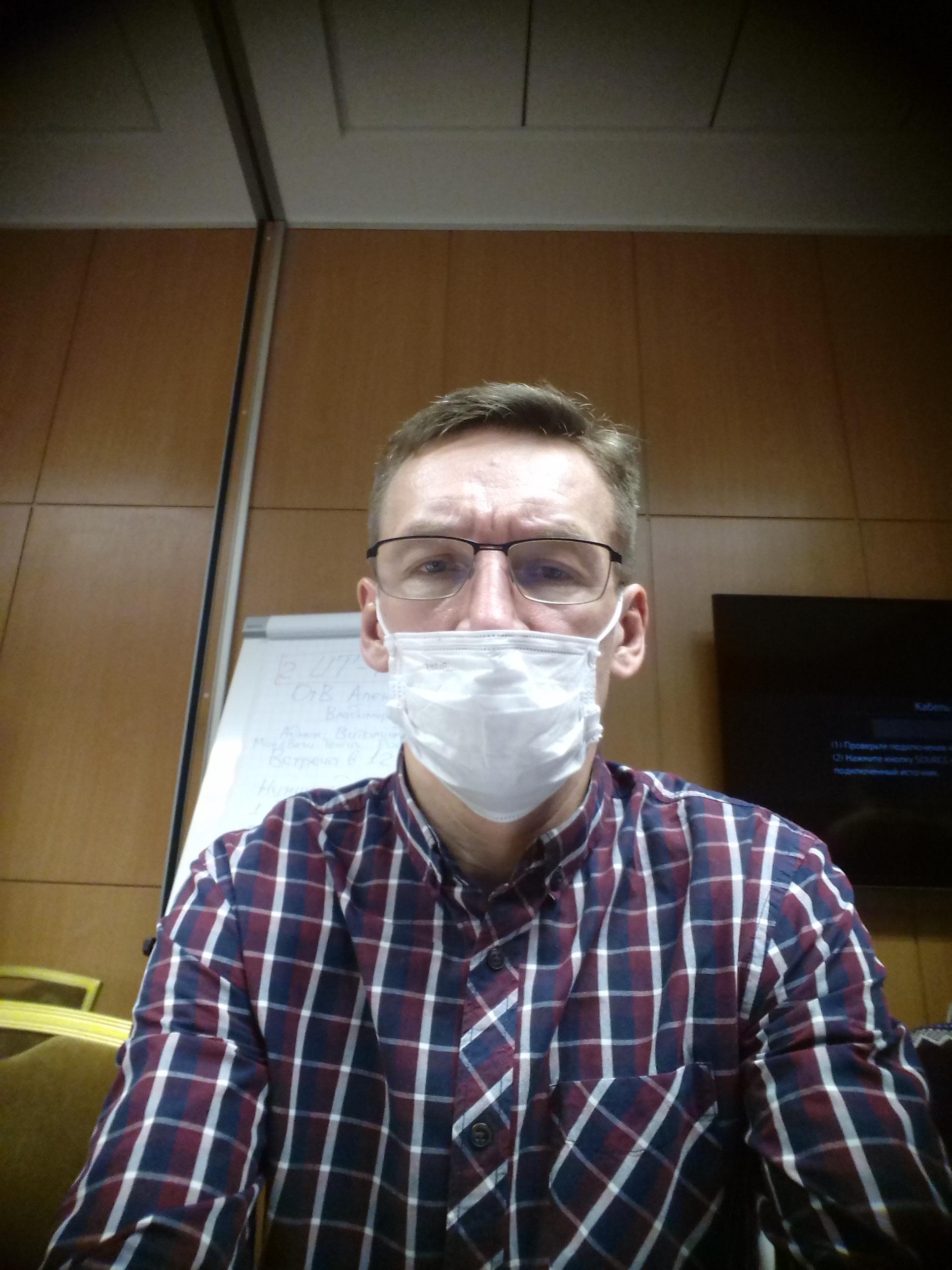 Пикулев в маске