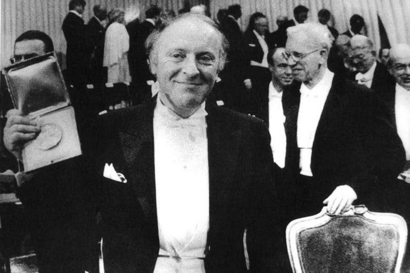Бродский получает Нобелевскую премию 22.10.1987
