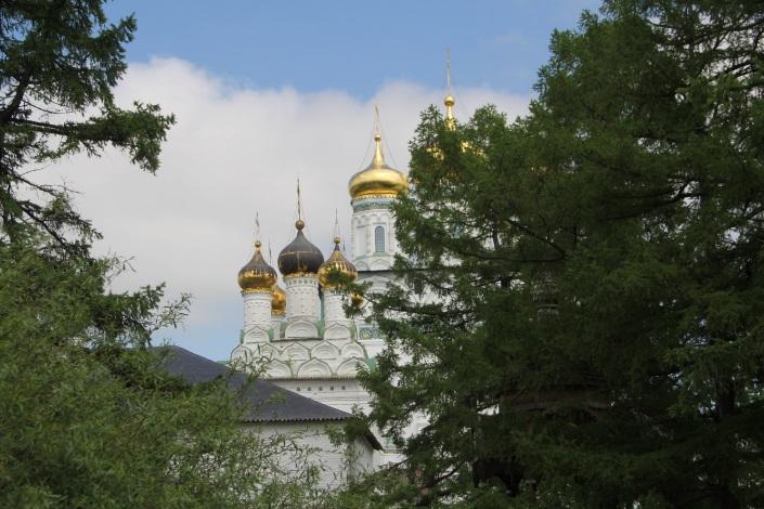 Успенский собор. Существует в каменном виде с конца 15 века.
