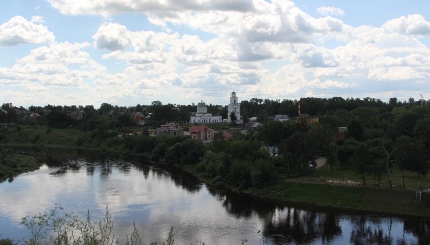 Вид на Ржев (на Советскую сторону) с высокого берега