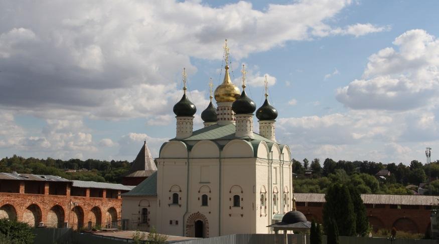 Собор на территории Кремля