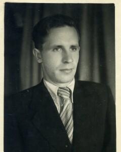 Новиков Петр Иванович, участник ВОВ, старшина, командир орудия.